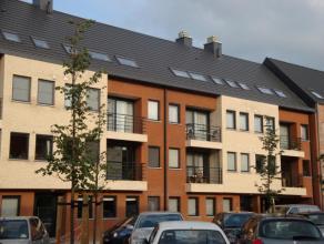 Knappe penthouse (105 m²) met 2 slaapkamers en terras in Residentie Zandpoort. Gelegen in het centrum van Herentals. Indeling en omschrijving: In