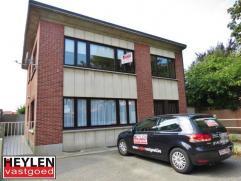 Ruim centraal gelegen 3 slaapkamer appartement in Herentals