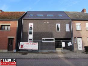 Nieuwbouw Duplex appartement in centrum Noorderwijk. Grote leefruimte met schuifraam naar terras. Terras met zicht op groen. Carpoort + kelderberging