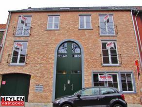 Modern nieuwbouw appartement op het tweede verdiep in het centrum van Herentals. Gelegen vlakbij de winkelstraat, de ring van Herentals, verschillende