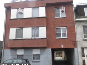 Luxe appartement centraal gelegen, 3 slaapkamers en garage. EPC: 185 kW/h² vaste kosten: euro30/maand
