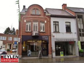 Authentiek duplexappartement op toplocatie te HerentalsLigging: Gelegen in het hartje van Herentals. Winkels, openbaar vervoer, het station, scholen,