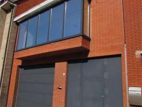 Vernieuwde woning met tuin en grote garage van 135 m² in het centrum van Retie. Woning gerenoveerd in 2008 . Klein beschrijf mogelijk ! EPC 579 k