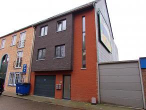 Prachtig Duplex appartement met 4 slaapkamersLigging: Gelegen op een toplocatie in het hartje van Herentals. Vlakbij winkels, supermarkten, openbaar v