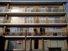 Ligging : Rustig gelegen doch bij de ring van Herentals.Indeling : Het appartement omvat een inkomhal met harmonicadeur, een ruime woonkamer met veel