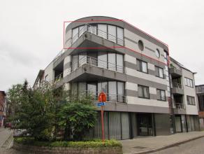 2 slpk appartement met veel lichtinval op toplocatieLigging: Gelegen in het centrum van Herentals. Indeling: Hal, leefruimte, keuken, bergruimte, 2 sl