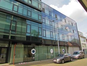 Ruim 2 slaapkamer appartementLigging: Gelegen in het centrum van Herentals. Op wandelafstand van winkels, bakker, apotheek, openbaar vervoer, station