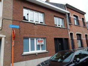 Heel knap en trendy appartement! Ligging: binnen de ring van Herentals, op 5 minuten wandelen van het station en de winkelstraat.Omschrijving: Inkomha