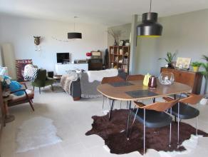 Prachtig ruim 2 slaapkamer appartementLigging: Gelegen in het hartje van Herentals. Vlakbij het station, het ziekenhuis, de winkelstraat, de Grote Mar