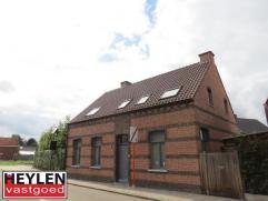 Vrijstaande woning op 551m² gelegen op toplocatie in het centrum van Olen met omheinde tuin. Vg, Wg, Gdv, Gvkr, Gvv