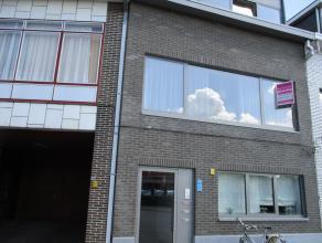 APPARTEMENT<br /> Indeling: living met open keuken, badkamer met douche en lavabo, 2 slaapkamers waarvan 1 kleine<br /> EPC: 110 kWh/m2
