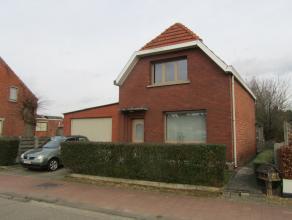 WONING OP +/- 620 m2 GROND- 11 M AAN STRAAT<br /> Indeling: hal, living, kelder, keuken, veranda, 2 slaapkamers, badkamer<br /> DE WONING WERD IN 2009
