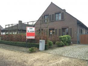 Prachtig gelegen villa in een residentiële buurt, doch vlakbij het centrum van Wiekevorst, alsook bij de belangrijkste verbindingswegen naar oa H