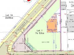 Bouwgrond voor open bebouwing, hoekperceel L. Carréstraat x Hallaaraard. Gelegen langs de verbindingsweg van Hallaar centrum naar Itegem. Geen