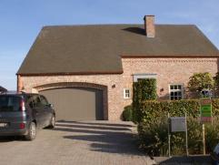 Residentieel gelegen villa met betere afwerking (bv domotica, natuurtegels, vloerverwarming + klassieke verwarming, centraal stofzuigsysteem, 2 dressi