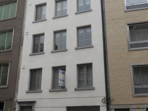 Instapklaar luxe - appartement met 2 slaapkamers, groot zuid-terras, lift en garage.Uitstekend gelegen in centrum vlakbij Grote Markt!!  EPC = 87. Voo