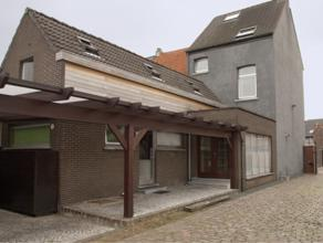 Instapklare, goed verzorgde herenwoning op een perceel van 765 m². Deze voormalige handelsdrukkerij heeft achterliggend een apart atelier met mag