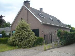 Landhuis met o.a. 4 ruime slaapkamers, 2 badkamers, bureel, garage en tuin. Uitstekende ligging!  ogelijk klein beschrijf!  Voor verdere info of a