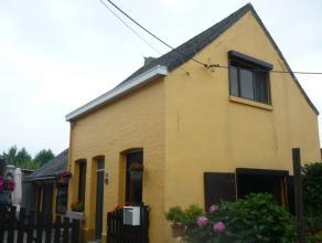 Te renoveren gezinswoning met o.a. twee slaapkamers, autostaanplaats en zonnige tuin. Rustig gelegen op fietsafstand van het centrum van Lier. Mogel