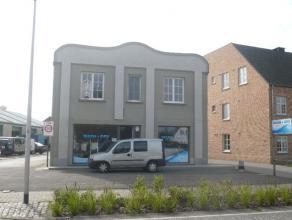 Instapklaar duplex appartement met o.a. 2 ruime slaapkamers, terras, tuin, garage en aparte inkom. EPC = 620.  Voor verdere info of afspraak bel 04
