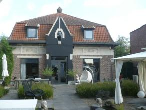 Charmante villa('t Wielewaalsnestje ),instapklaar en totaal vernieuwd  met o.a. 3 grote slaapkamers, terras en tuin. Afgewerkt met hoogwaardige mater