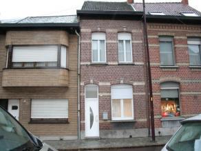 Deze volledig gerenoveerde woning is gelegen in het centrum te Duffel.  Op het gelijkvloers omvat deze woning een ruime woonkamer met aansluitende o