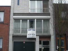 Instapklare woning met 2 slaapkamers, garage en tuin. Goed gelegen dichtbij scholen, winkels en openbaar vervoer! Mogelijk klein beschrijf! EPC = 338.