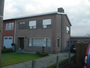 Instapklare en zeer ruime gezinswoning met o.a. 3 grote slaapkamers, zolder, terras, tuin en garage. EPC=355.  Voor verdere info of afspraak bel 04