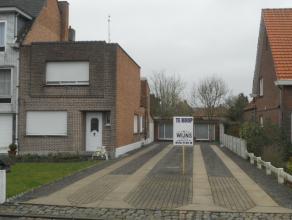 Rustig gelegen woning met voortuin in doodlopende straat  in centrum van Berlaar. Het perceel heeft een oppervlakte van 440 m² (2 x 220 m²)