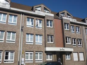 Instapklaar appartement op de tweede verdieping met o.a. 2 slaapkamers, lift, zon gericht terras en een aparte garagebox. Ideaal gelegen op fietsafst