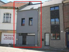 Deze met smaak gerenoveerde en instapklare woning is gelegen nabij het centrum van Duffel.   Met een bewoonbare oppervlakte van 163 m² beschikt