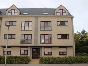 Instapklaar appartement met o.a. 2 slaapkamers, terras, lift. Garage is eventueel aan te kopen voor  25000. In uitstekende staat, afgewerkt met hoogwa