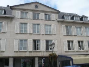 Instapklaar appartement met o.a. 1 slaapkamer, terras en lift. Gelegen op een unieke locatie (Zimmerplein). EPC = 312. Elektriciteit is conform!