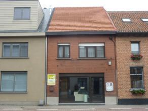 Huidig handelspand met woonst mits kleine aanpassingen in te richten als ruime eengezinswoning met een totale bewoonbare oppervlakte van 220 m² v