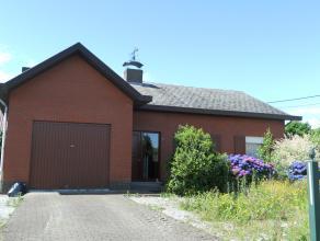 Op te frissen laagbouw met o.a. 3 slaapkamers, tuintje en inpandige garage.<br /> Gelegen in een rustige straat te Berlaar-Heikant. <br /> <br /> Voor