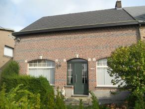 Instapklare gezinswoning met o.a. 3 ruime slaapkamers, veranda, terras en nieuw omheinde tuin.<br /> Mogelijk klein beschrijf!<br /> EPC = 599.<br />