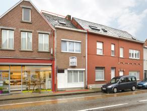 Instapklare woning met o.a. 3 slaapkamers, terras en garage.<br /> Mogelijk klein beschrijf.<br /> EPC=480.<br /> <br /> Voor verdere info of afspraak