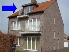 NIEUW :Instapklaar app op 2Âverd (80m²) met klein terras.Inkom geeft doorgang naar alle vertrekken. Inkom voorzien van een vestiairekast. L
