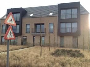 Dit nieuwbouw appartement is degelijk en kwaliteitsvol worden afgewerkt. Het appartement bestaat uit een inkomhal, 2 slaapkamers, een wasplaats, badka