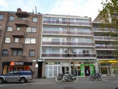 Omschrijving Ruim 2 slaapkamerappartement op de Merodelei! Het appartement is erg ruim en gelegen op de 3e verdieping. De indeling is als volgt: Inkom