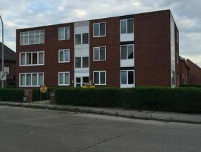 Omschrijving Centraal gelegen twee slaapkamer appartement. Mooi verzorgd appartement gelegen op de eerste verdieping van het gebouw.Inkom, twee grote