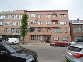 Dit verzorgd appartement is gelegen vlakbij het stadspark en de ring van Turnhout. Het is ingedeeld als volgt: Inkom - toilet- twee slaapkamers - badk