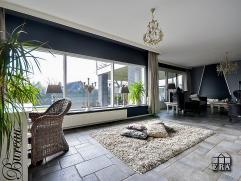Moderne instapklare laagbouwwoning op uiterst rustige locatie gelegen op een mooi perceel van 3.637 m² met bossen in de directe omgeving en het g
