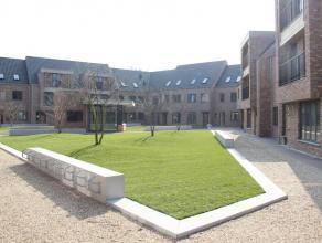 Nieuwbouwwoning met 3 slaapkamers en leuke stadstuin, gelegen op unieke locatie in het centrum van Hoogstraten in 'Woonerf Ganzendries'. Rustig gelege