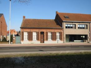 Charmant te renoveren woning / projectgrond nabij het centrum van Retie. <br /> De woning bestaat gelijkvloers uit een woonkamer, keuken, slaapkamer