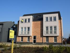 Mooi duplex appartement met één slaapkamer nabij het centrum van Oud-Turnhout.   De duplex bestaat uit een inkom met gastentoilet, een