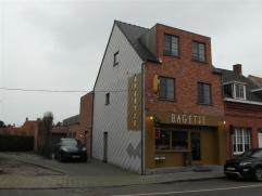 Instapklaar, zeer netjes onderhoudenHandelspand (ca. 150m²) en sfeervol duplexappartement in landelijke stijl ( ca.110m²) met