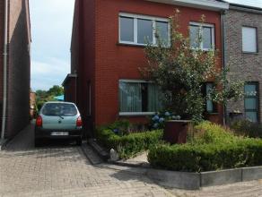 ideale, ruime gezinswoning half open bebouwing met grote tuin - grondoppervlakte 555 m² - ruime vrijstaande garage - 5 slaapkamers - indeling: in