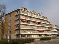 Ruim 3 slaapkamer appartement aan de ring van Turnhout. Indeling: ruime woonkamer, nieuwe ingerichte keuken, badkamer met ligbad, 3 slaapkamers, terra