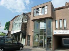 Appartement met twee slaapkamers, een groot terras en een garage, in het centrum van Oud-Turnhout. Geen lift. Huisdieren niet toegelaten. Beschikbaar